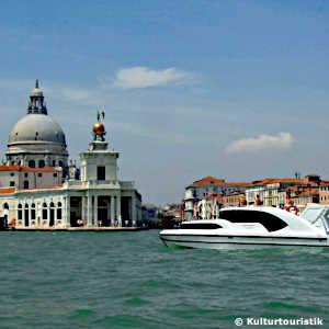 Hausboot, Vesparoller oder Chauffeur?