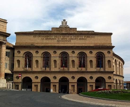 Oper Macbeth in der Sferisterio Arena in Macerata