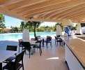 Poolbereich Ihrer Residenz mit Bar <br>© Kulturtouristik (Hotel)