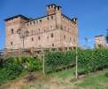 Castello Grinzane Cavour mit Enoteca <br>© Wikimedia Commons (Cloud7 [CC-BY-SA-3.0])