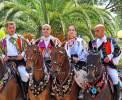 Tradition wird hier hochgehalten - Umzug mit Trachten in Oliena <br>© Wikimedia Commons (Gianni Careddu [CC-BY-SA-4.0])