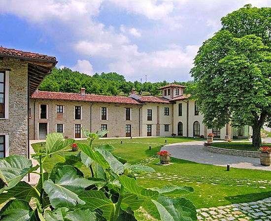 VESPA TOUR: Piemont, Relax und Weingenüsse in den Weinbergen der Langhe