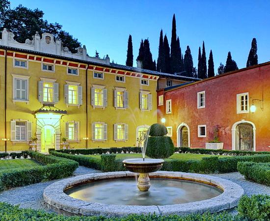 Exklusive Weingenüsse im Wine Relais in der Weinregion von Bardolino